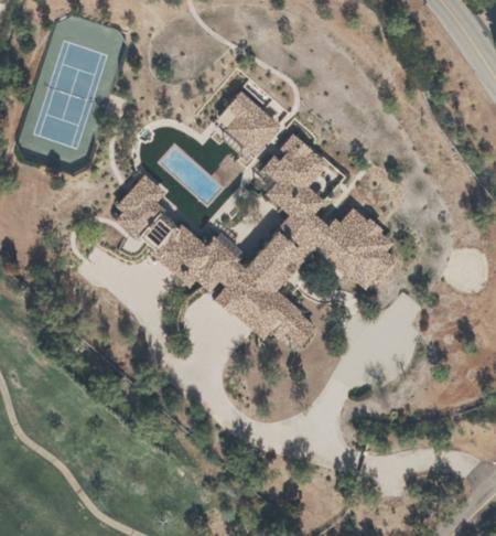 Carlos Rodrigo Fernández Ávila es Co-Administrador del Fideicomiso de Tierras que Posee Esta Mansión de $5.7 Millones de Dólares en Rancho Santa Fe, California