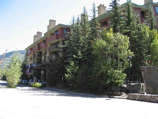 José de Jesús Padilla Moreno Administró la Compañía que Pagó $1.75 Millones de Dólares por este Condominio en Vail, Colorado